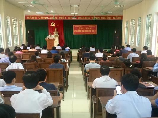 Khai giảng Lớp Bồi dưỡng Ngạch chuyên viên Khóa 83 tại huyện Hương khê