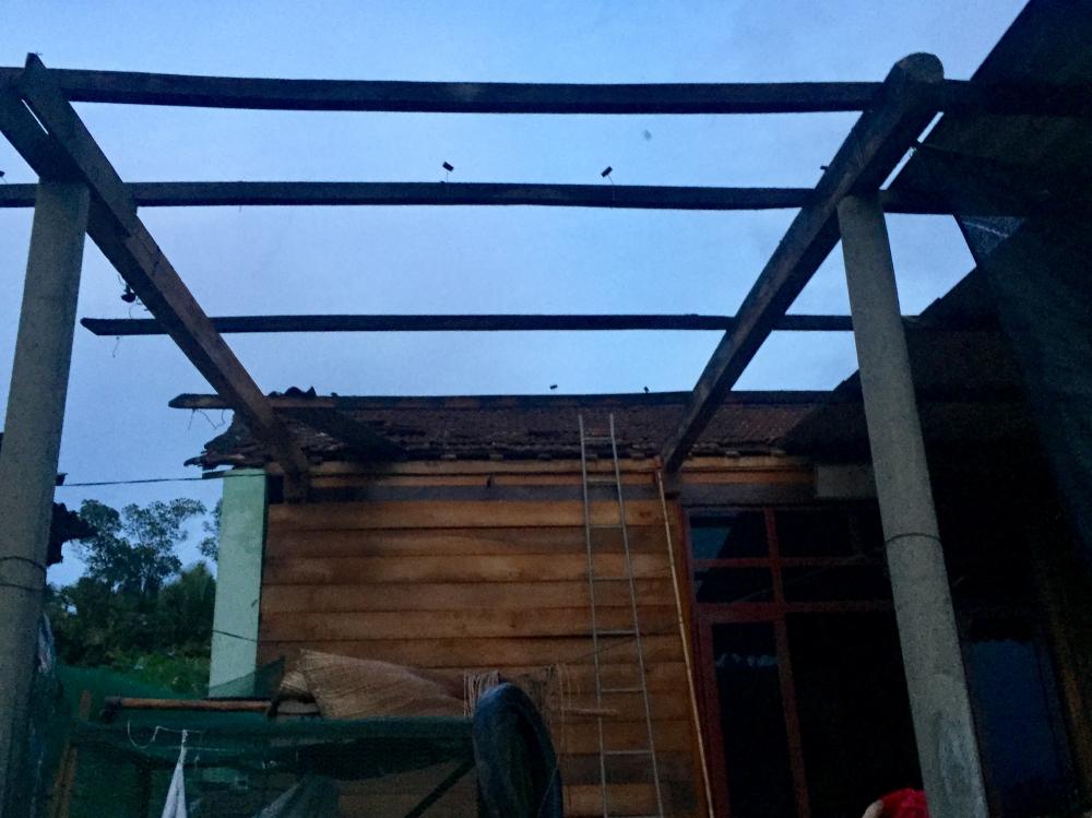 Hương Khê 45 nhà dân ở xã Phúc Đồng bị tốc mái do Lốc