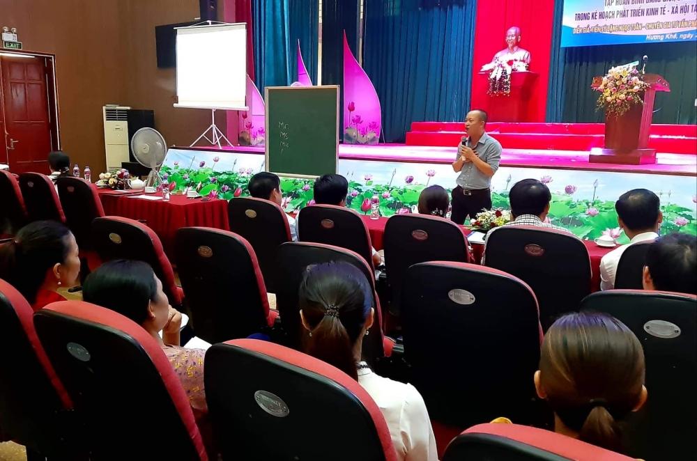 Tập huấn lồng ghép giới trong kế hoạch phát triển kinh tế, xã hội