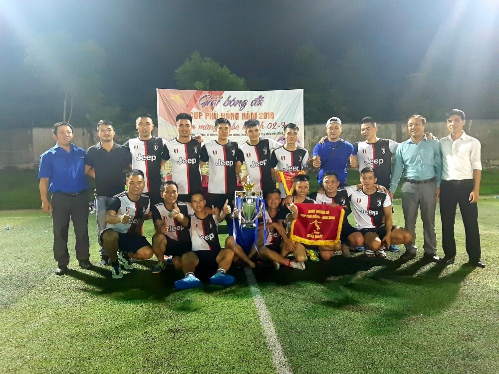 Đội FC Vân Anh dành giải nhất giải bóng đá mini  tranh Cúp Phù Đổng năm 2019.