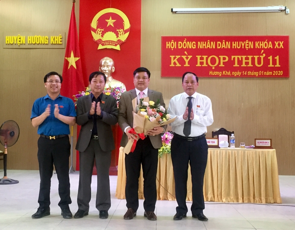 Ông Trần Quốc Bảo được bầu giữ chức Phó Chủ tịch UBND huyện  Hương khê nhiệm kỳ 2016 - 2021