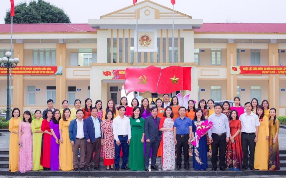 Công đoàn- Ban Nữ Công UBND huyện gặp mặt nữ công, nhân ngày QTPN 8/3.