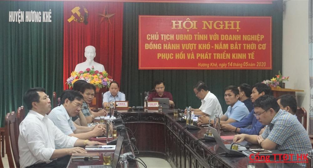 Chủ tịch UBND tỉnh với doanh nghiệp Hà Tĩnh cùng đồng hành tháo gỡ khó khăn, phát triển kinh tế.