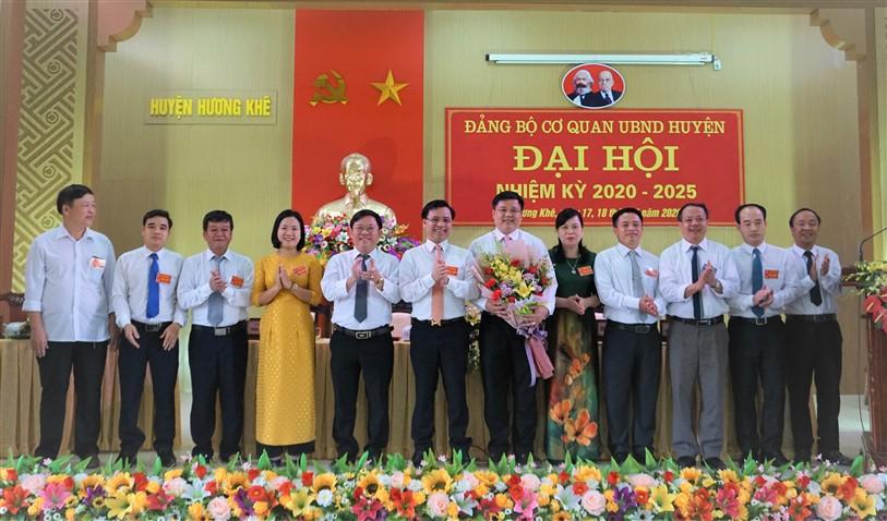 Đồng chí Trần Quốc Bảo, PCT UBND huyện được bầu giữ chức Bí thư  Đảng bộ CQ UBND huyện, nhiệm kỳ 2020-2025.