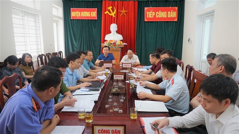 Bí thư Huyện ủy, chủ tịch UBND huyện  Tiếp công dân định kỳ tháng 5.