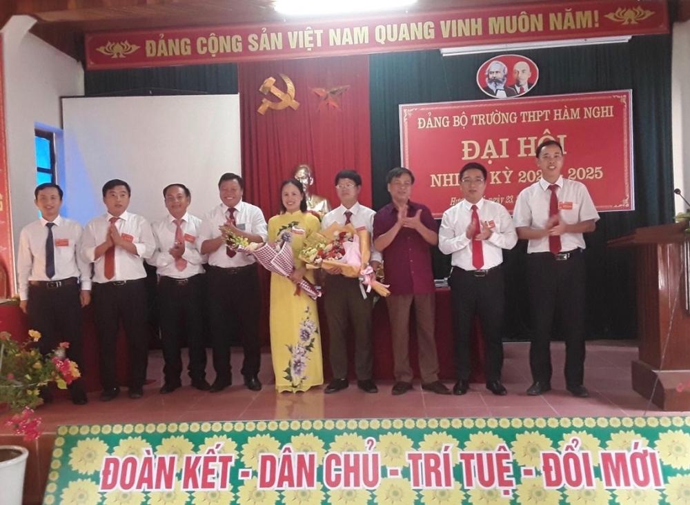 Trường THPT Hàm Nghi tổ chức thành công Đại hội Đảng bộ nhiệm kỳ 2020 – 2025
