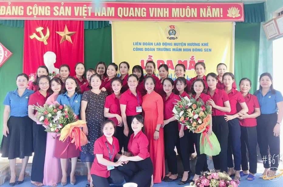 """Công đoàn Trường MN Bông Sen ra mắt Câu lạc bộ  """"Người mẹ thứ hai trong trường học""""."""