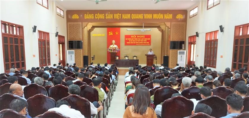 Hương Khê: Trên 400 cán bộ cơ sở được tập huấn Luật Trồng trọt và Luật Chăn nuôi.