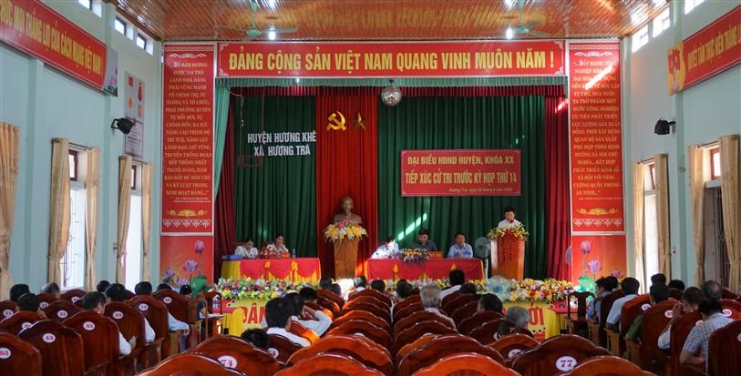 Phó Chủ tịch UBND huyện tiếp xúc cử tri xã Hương Trà