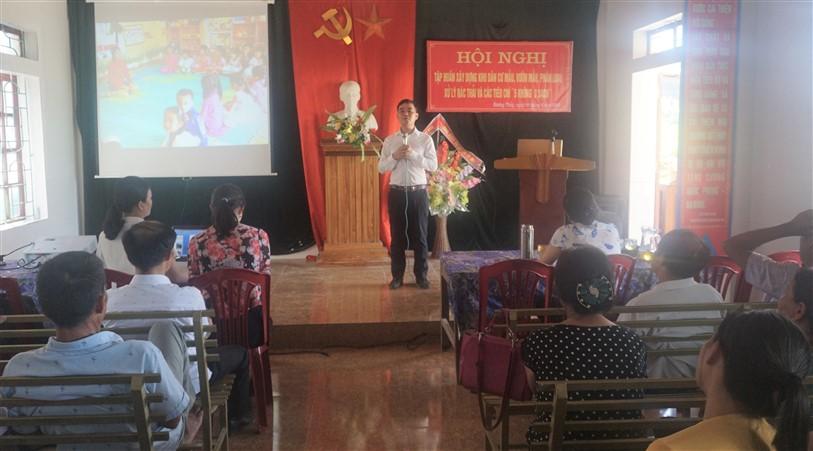 Trên 200 cán bộ và người dân thôn 4, 5 xã Hương Thủy được tập huấn xây dựng NTM, phân loại xử lý rác thải và tiêu chí 5 không 3 sạch.