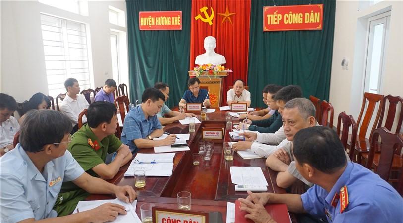 Bí thư Huyện ủy,Chủ tịch UBND huyện tiếp công dân định kỳ tháng 7