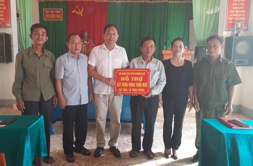 Hội Nông dân huyện Hương Khê hỗ trợ 83 triệu đồng cho các xã đăng ký về đích Nông thôn mới trong năm 2020.