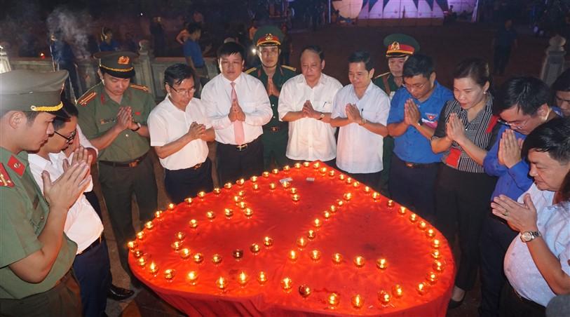 Hương khê: Thắp nến tri ân kỷ niệm 73 năm ngày TBLS