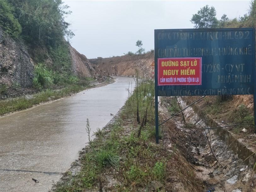 Hương Khê: Gắn biển cấm người, phương tiện lưu thông tuyến đường Phúc Trạch Hương Liên