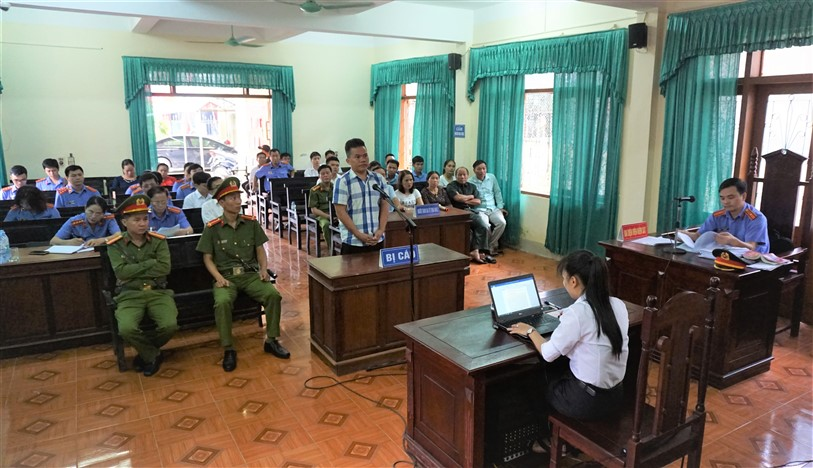 """8 năm tù giam cho đối tượng Trần Minh Cảnh, về tội """" Lừa đảo chiếm đoạt tài sản"""""""