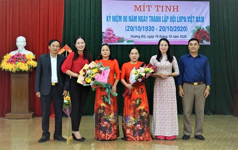 Hương Đô gặp mặt kỷ niệm 90 năm Ngày thành lập Hội LHPN Việt Nam