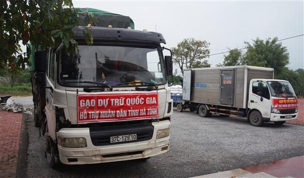 Hương Khê kịp thời tiếp nhận, phân bổ hơn 35.600 kg gạo hỗ trợ của Chính phủ