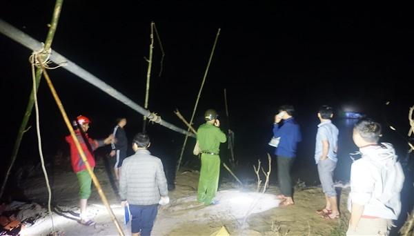 Hương Khê: Phát hiện vụ việc khai thác cát trái phép trên sông Ngàn Sâu đoạn qua xã Hà Linh.