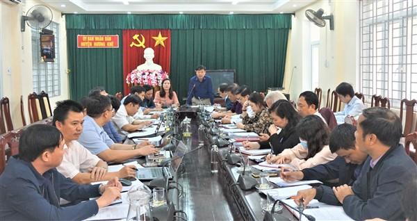 Tập trung các nhiệm vụ, đưa chợ Huyện vào hoạt động trước ngày 30/11/2020 và đóng cửa chợ Sơn trước ngày 05/12/2020.