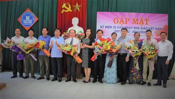 Hương Khê: Gặp mặt tọa đàm 38 năm ngày Nhà giáo Việt Nam 20/11