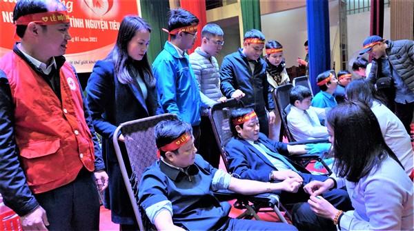 Hương Khê:Trên 500 người tham gia và hiến gần 300 đơn vị máu