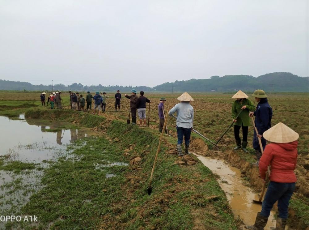 Hội Nông dân Hương Khê sôi nổi các hoạt động ra quân làm thủy lợi nội đồng