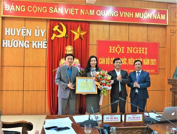 Hội nghị cán bộ công chức, viên chức cơ quan Huyện ủy Hương Khê