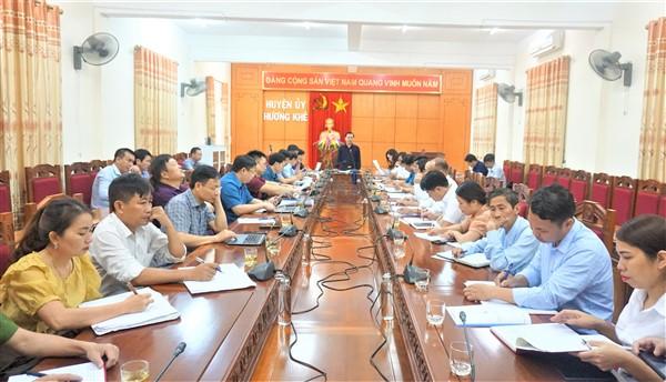Thường trực Huyện ủy làm vệc với Đảng ủy xã Hương Trà về nhiệm vụ trong thời gian tới.