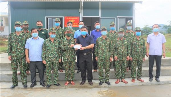Phó Chủ tịch UBND huyện đề nghị Đồn Biên phòng Hòa Hải bố trí cán bộ trực 24/24h, thực hiện tốt công tác phòng, chống dịch Covid 19