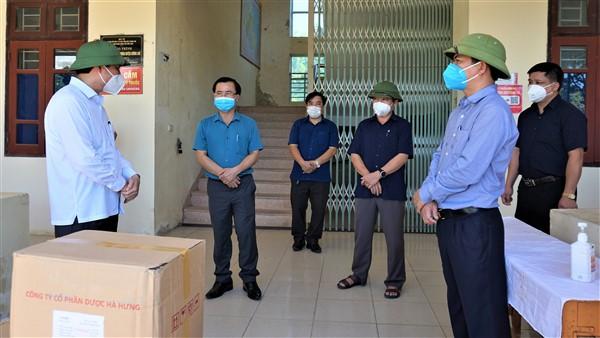Bí thư Tỉnh ủy đề nghị Hương Khê căn cứ tình hình thực tiễn để xây dựng giải pháp phòng, chống dịch Covid-19 có hiệu quả