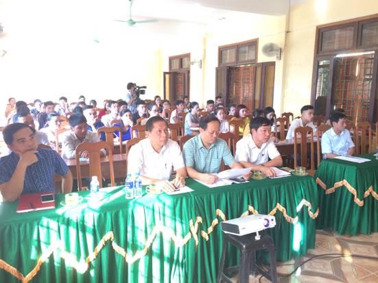 Trên 60 quần chúng ưu tú được tham gia bồi dưỡng lý luận chính trị kết nạp Đảng.