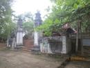 Đền Cơn Chay toạ lạc tại địa bàn xóm Giáp (nay là xóm 2) xã Phú Phong huyện Hương Khê tỉnh Hà Tĩnh nằm ở tả ngạn sông Tiêm; cách đường Hồ Chí Minh 800m về phía nam. Vùng này còn có tên gọi là Rộc Cồn