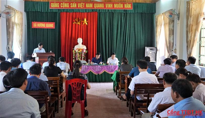 Thường trực Ban chỉ đạo NTM huyện làm việc với xã Hương Giang về nhiệm vụ thời gian tới.