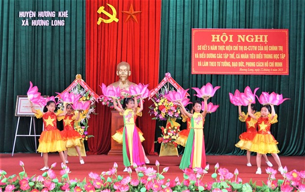 Hương Long khen thưởng 8 tập thể, 9 cá nhân tiêu biểu trong thực hiện Chỉ thị 05 của Bộ Chính trị.