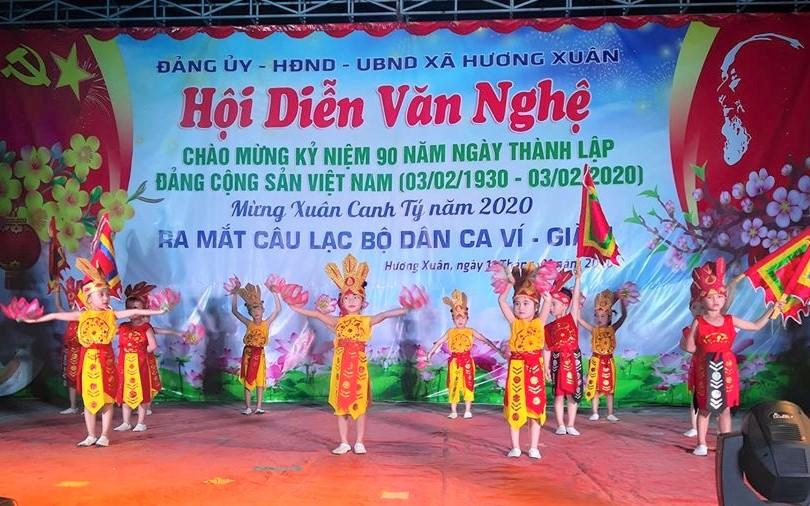 Hội diễn văn nghệ mừng Đảng, mừng Xuân tại xã Hương Xuân