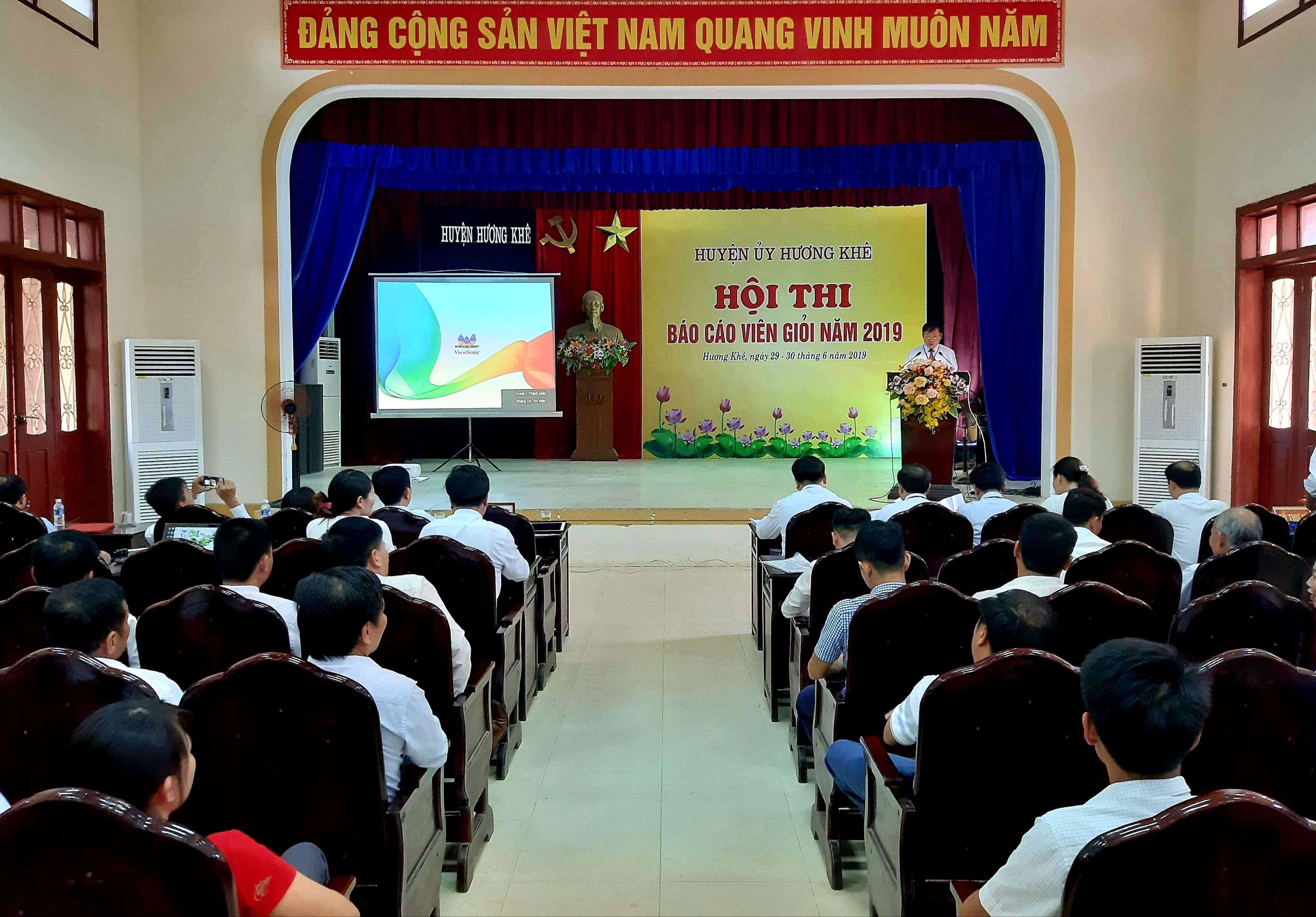 Hương Khê tổ chức thành công Hội thi Báo cáo viên giỏi năm 2019