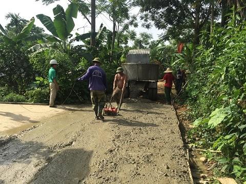 Toàn huyện làm mới trên 27 km đường Bê tông