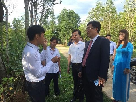 Công ty Autobahn VAG làm việc với lãnh đạo huyện Hương khê khảo sát và tìm cơ hội đầu tư