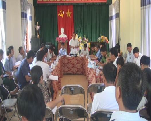 Ban chỉ đạo xây dựng NTM huyện làm việc với xã Hà Linh về nhiệm vụ xây dựng NTM.